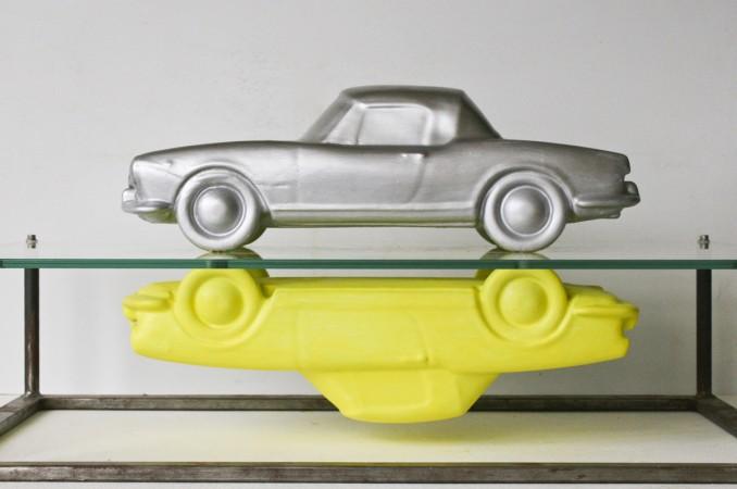 Aluminium und Pigment auf Keramik, Glas und Eisen Privatsammlung